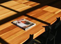 Sprawdź jak wybrać blaty stołowe pasujące do charakteru całego wnętrza!
