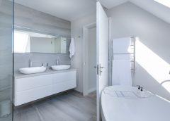 Jaki rodzaj oświetlenia warto wybrać do łazienki?