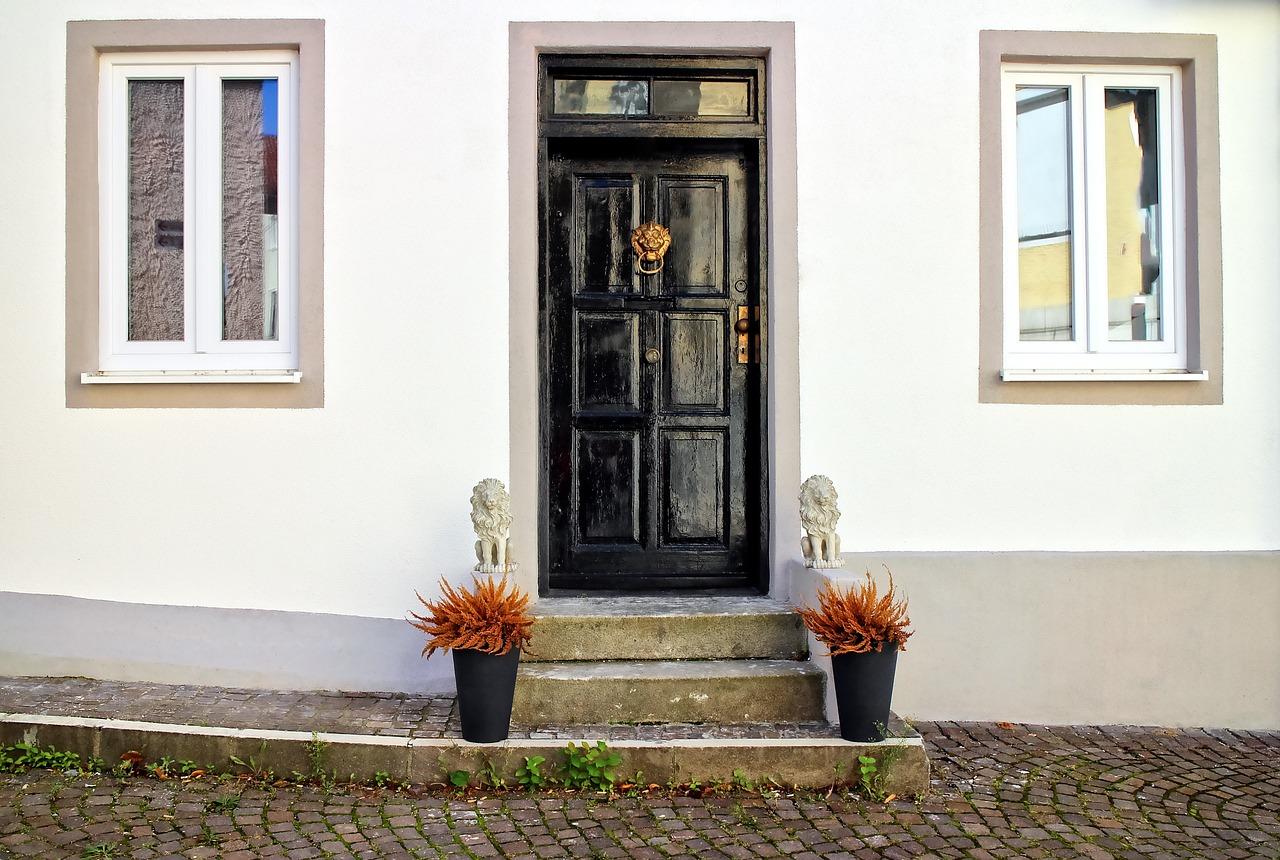 obicie drzwi